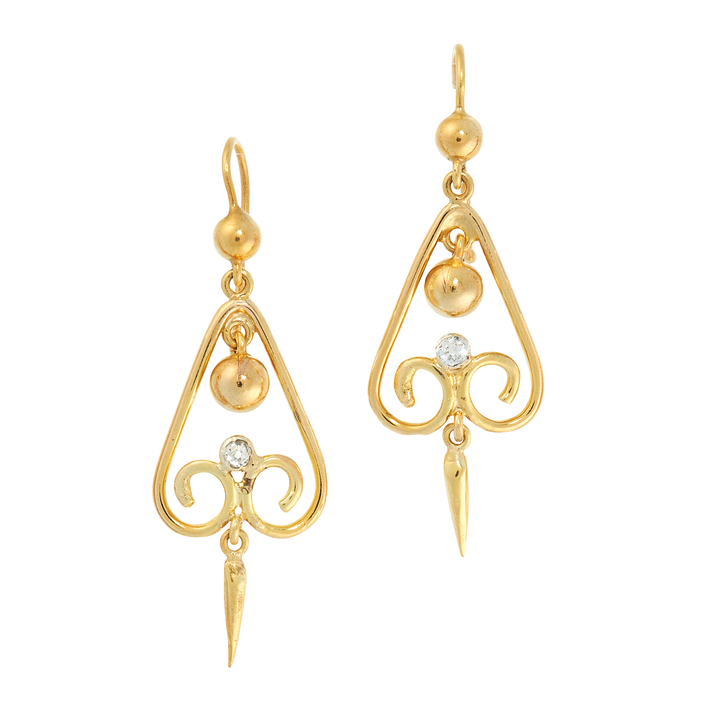 A PAIR OF ANTIQUE DIAMOND DROP EARRINGS in 15ct yellow gold, the articulated body of each set with