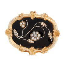AN ANTIQUE DIAMOND, PEARL AND ONYX MOURNING LOCKET BROOCH, 19TH CENTURY in high carat yellow gold,