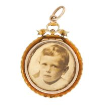 AN ANTIQUE PEARL AND HAIRWORK MOURNING LOCKET PENDANT, LATE 19TH CENTURY in yellow gold, the