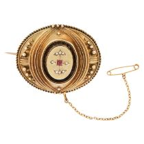 AN ANTIQUE RUBY AND DIAMOND BROOCH, 19TH CENTURY in yellow gold in the Etruscan revival manner,