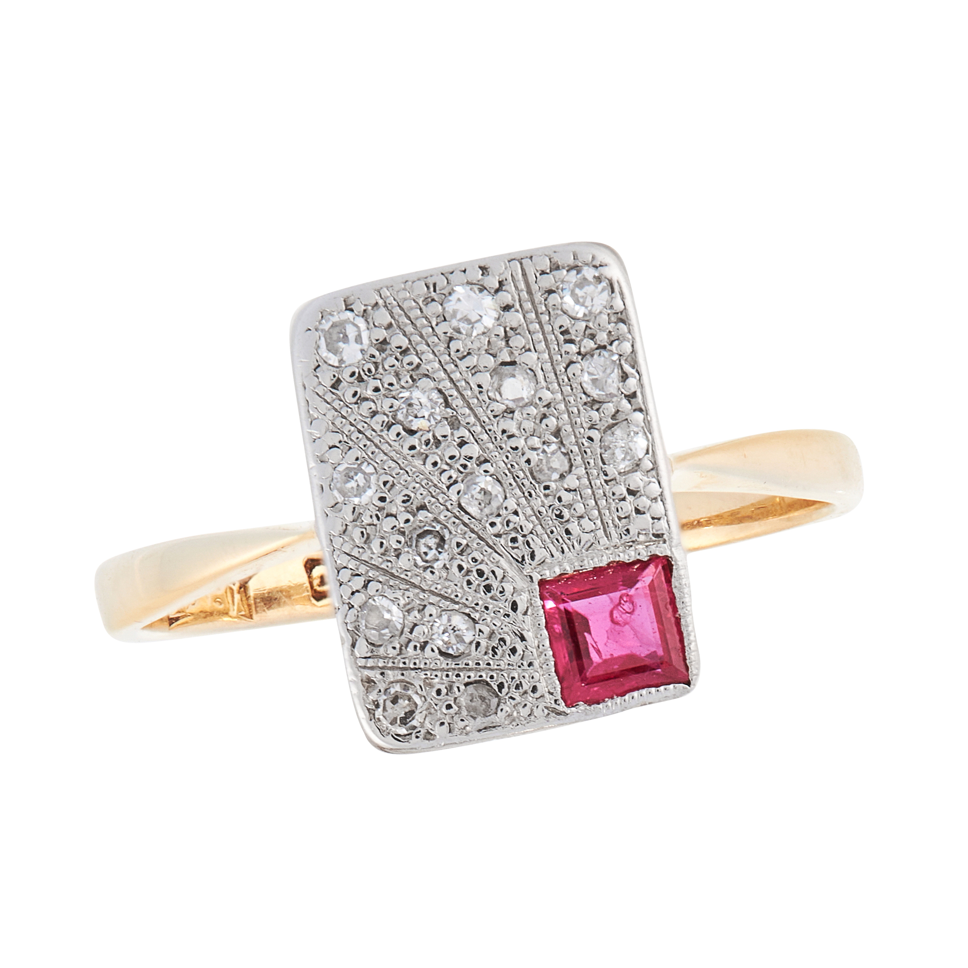 AN ART DECO RUBY AND DIAMOND DRESS RING, EARLY 20TH CENTURY in 18ct yellow gold and platinum, the