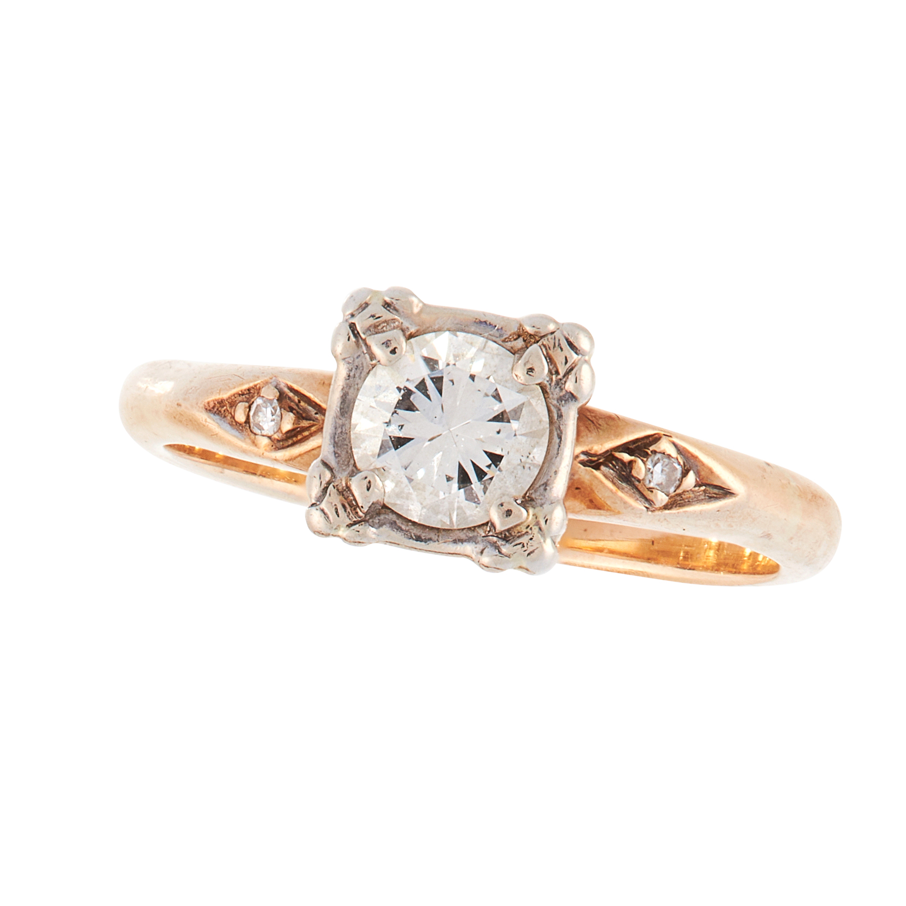 A SOLITAIRE DIAMOND DRESS RING in 18ct yellow gold, set with a round cut diamond of 0.40 carats,