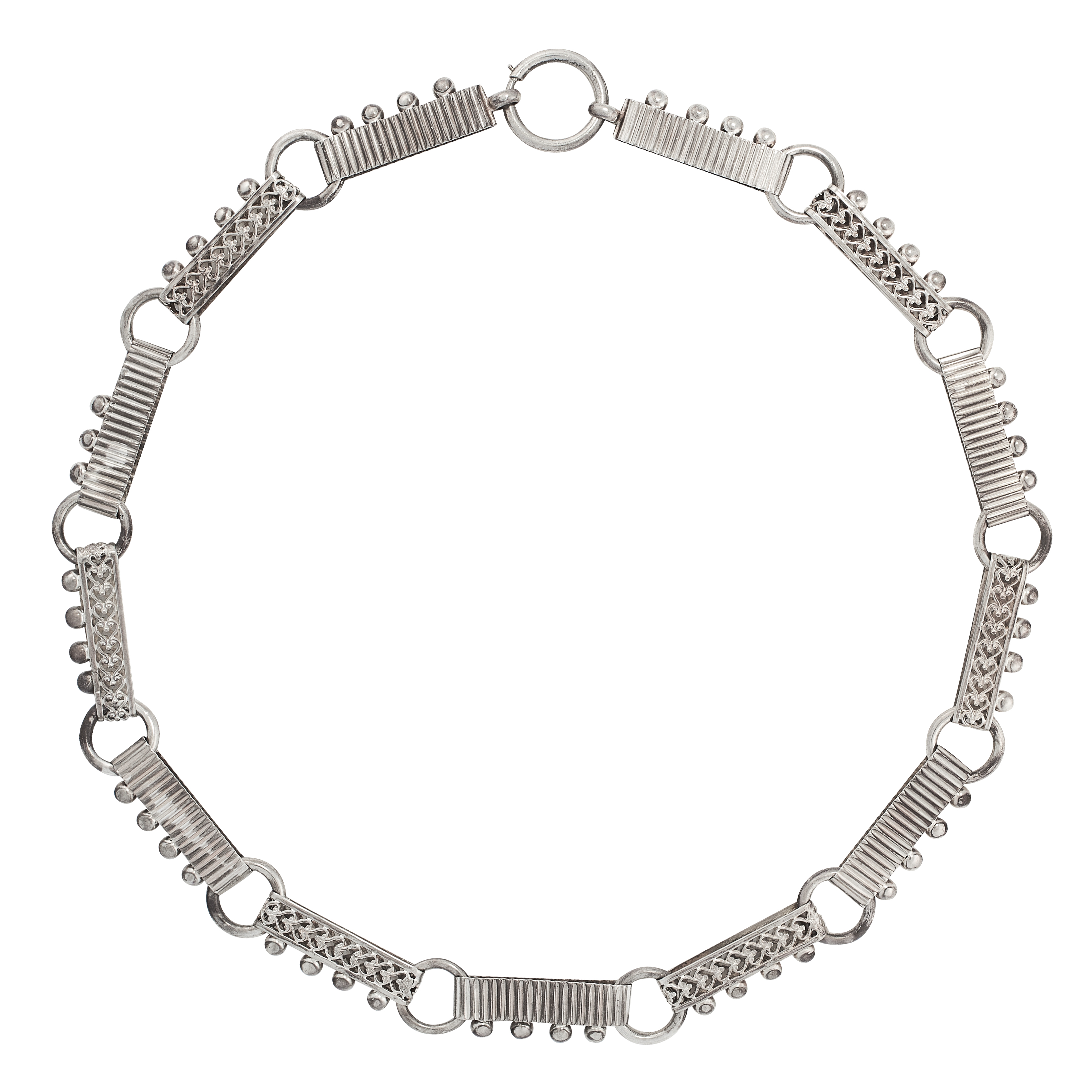 AN ANTIQUE SILVER COLLAR NECKLACE comprising of alternating decorated batons and circular links,