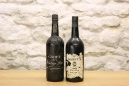 2 BOTTLES MIXED LOT OF FINE PORTS