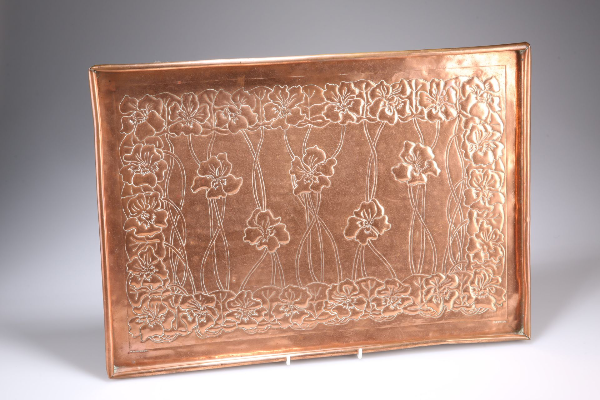 WILLIAM HENRY MAWSON FOR THE KESWICK SCHOOL OF INDUSTRIAL ARTS AN ARTS AND CRAFTS COPPER TRAY,