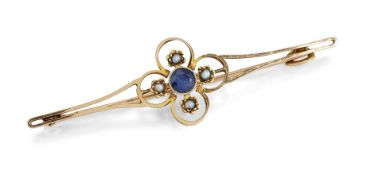 A 15CT SAPPHIRE AND SEED PEARL BAR BROOCH,
