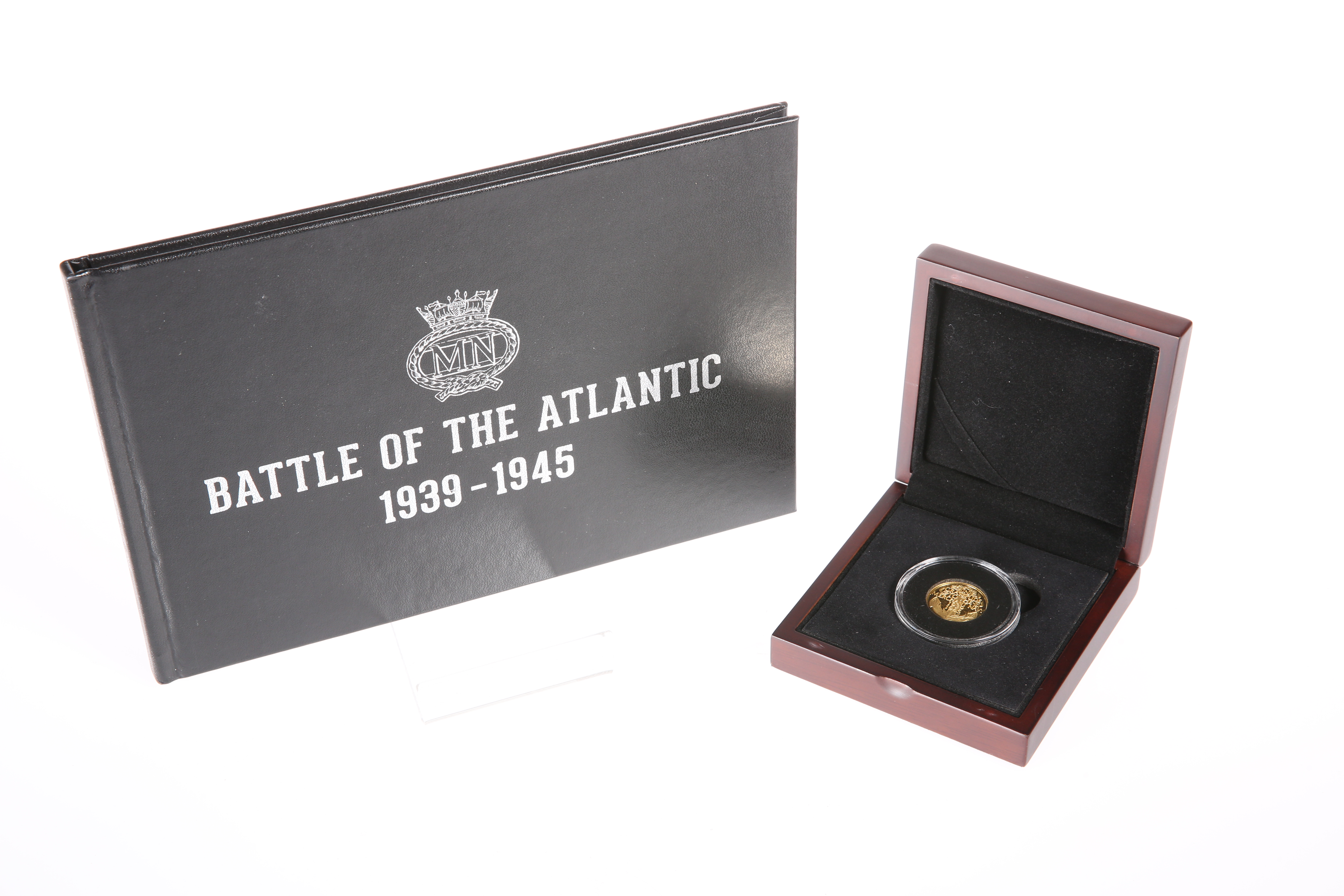 """A GOLD PROOF QUARTER CROWN, """"IN GRATITUDE TO THE MERCHANT NAVY 1939-1945"""", boxed, with certificate - Image 3 of 3"""