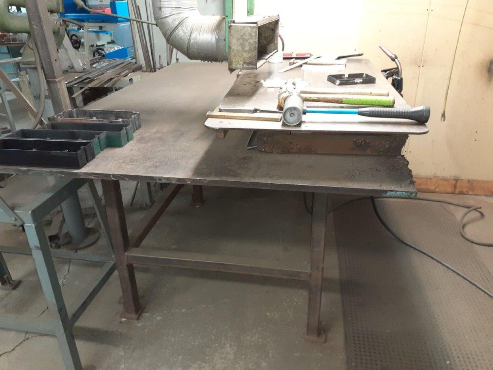 """Magnetic Welding Chuck, 22"""" x 12"""" c/w Extension: 44"""" x 22"""" & Exhaust Hood c/w Tools & Accessories - Image 2 of 5"""