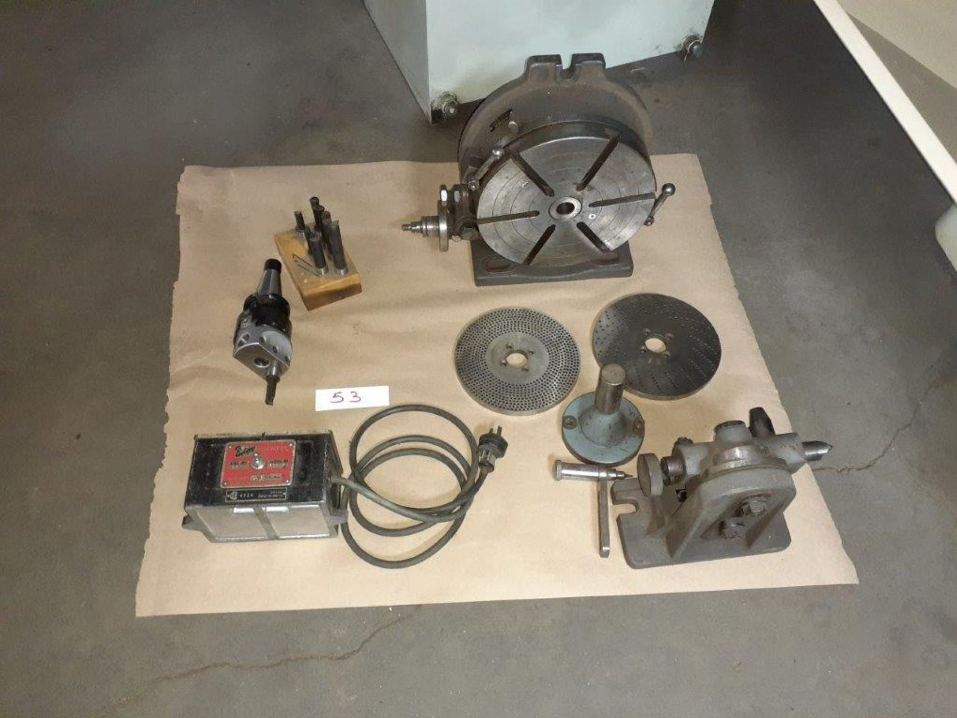 LOT: Assorted Milling Machine Accessories: Dividing Head, Boring Head, (8) Milling Knives,