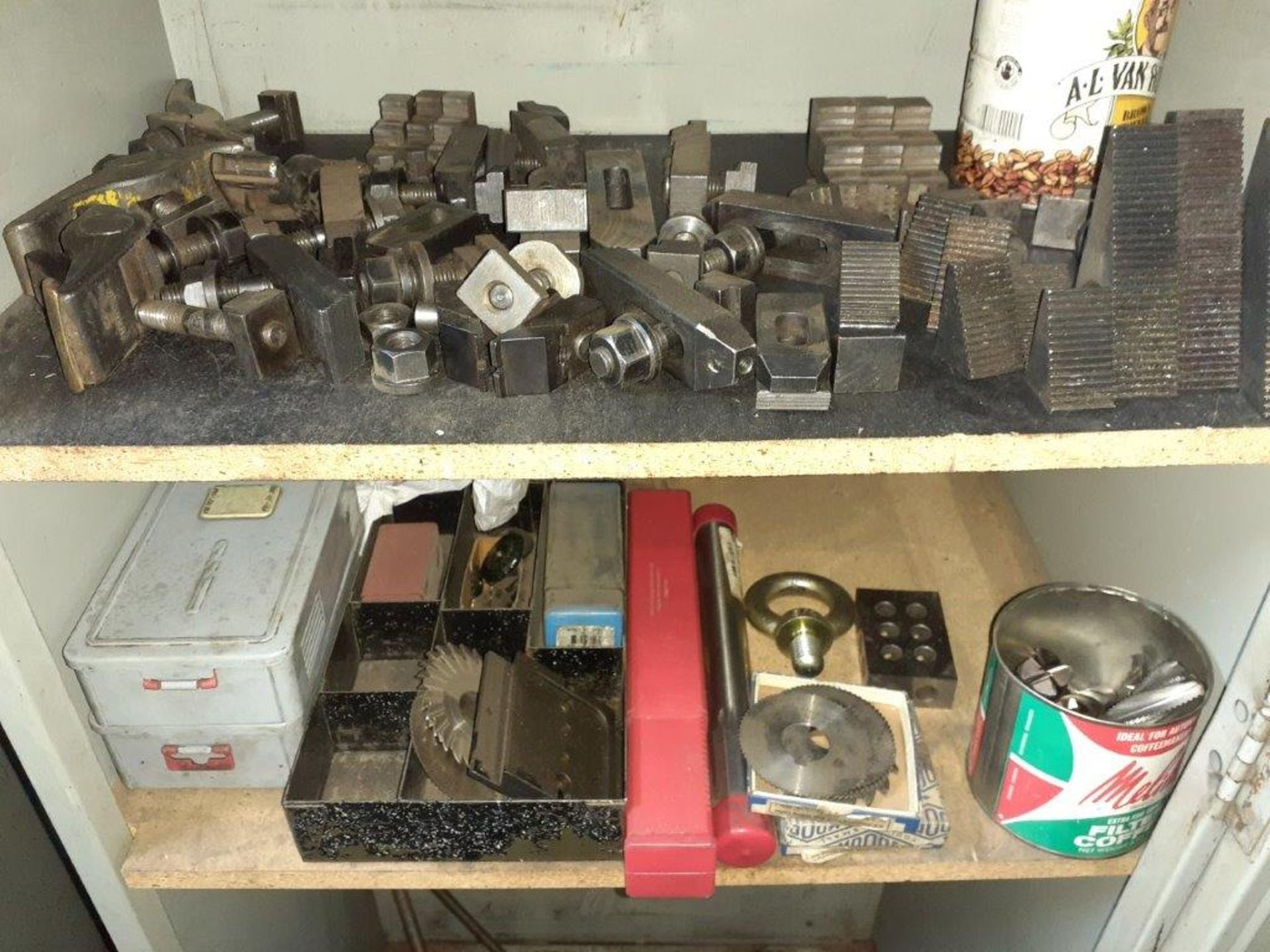 LOT: assorted Milling Machine Tools, ie: Milling Knives, Table Mounts, Drill Bits, Magnetic Tool - Image 3 of 5