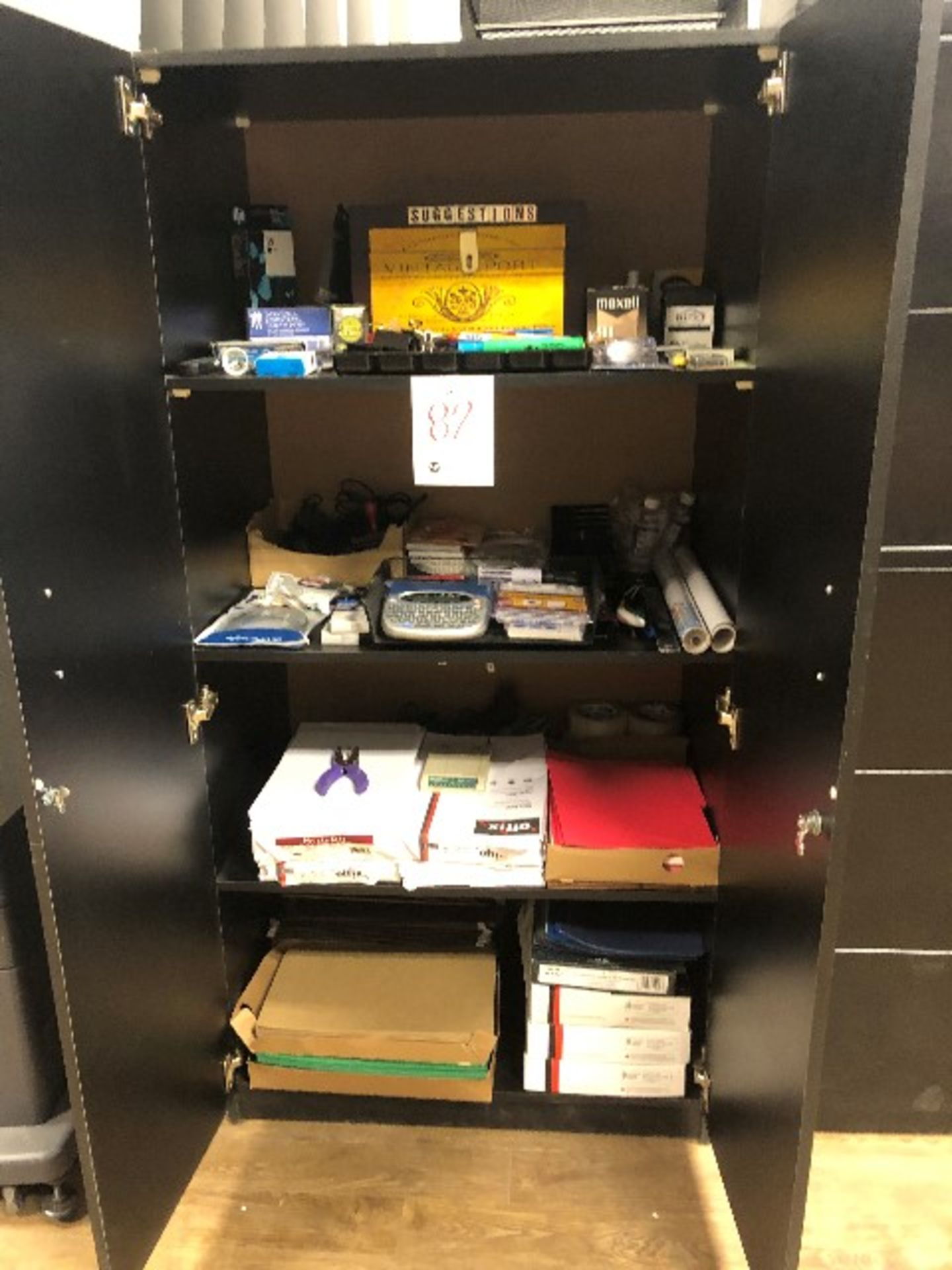 Lot 82 - Assorted stationaries,papers,labels,etc... (Lot)