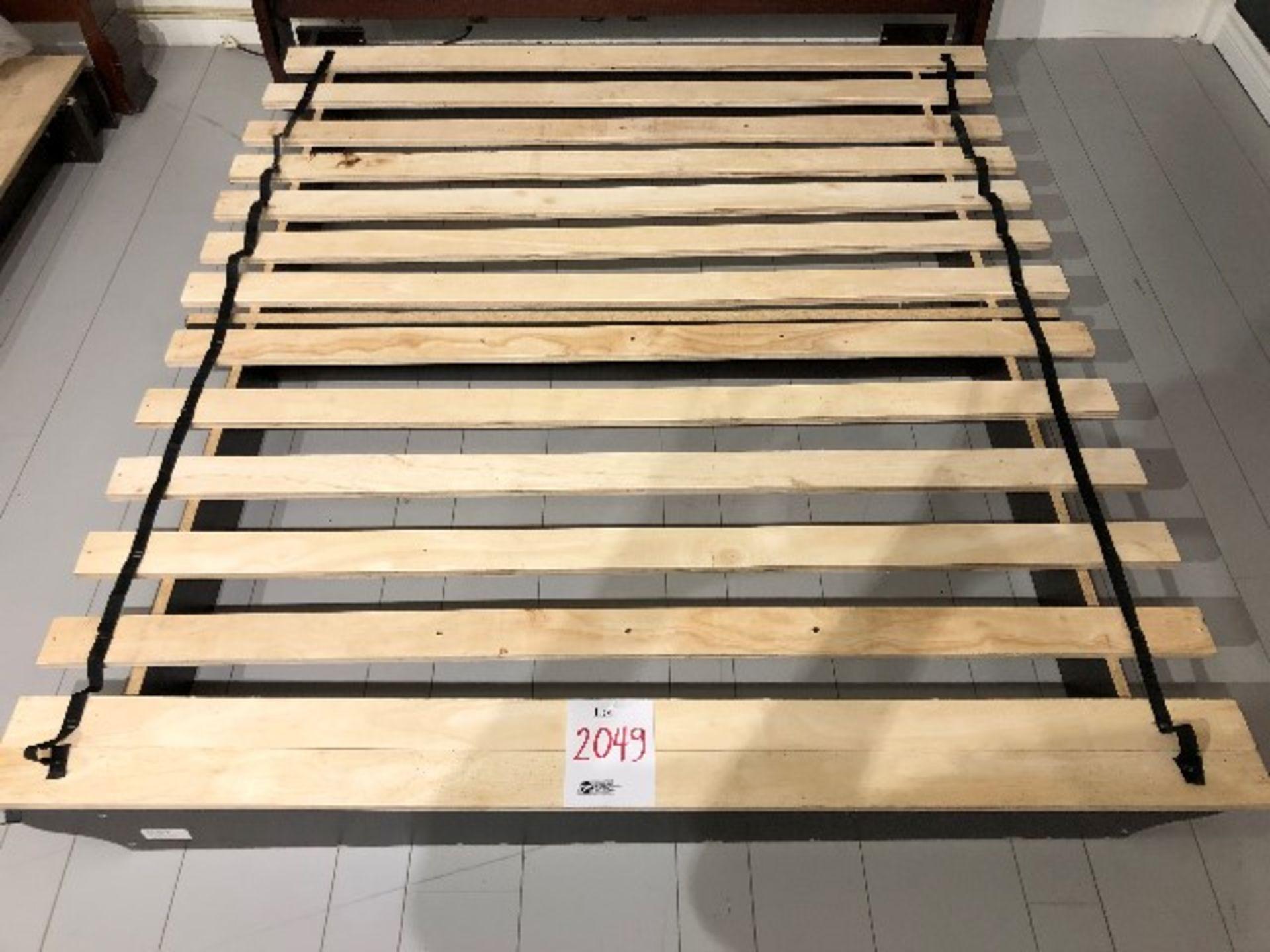 Lot 2049 - Pedestal support w/slats