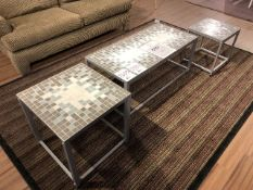 "Coffe table 42""x20""x17"" & end tables 20""x20""x20"" & 16""x16""x18"", 3 pc set (Lot)"