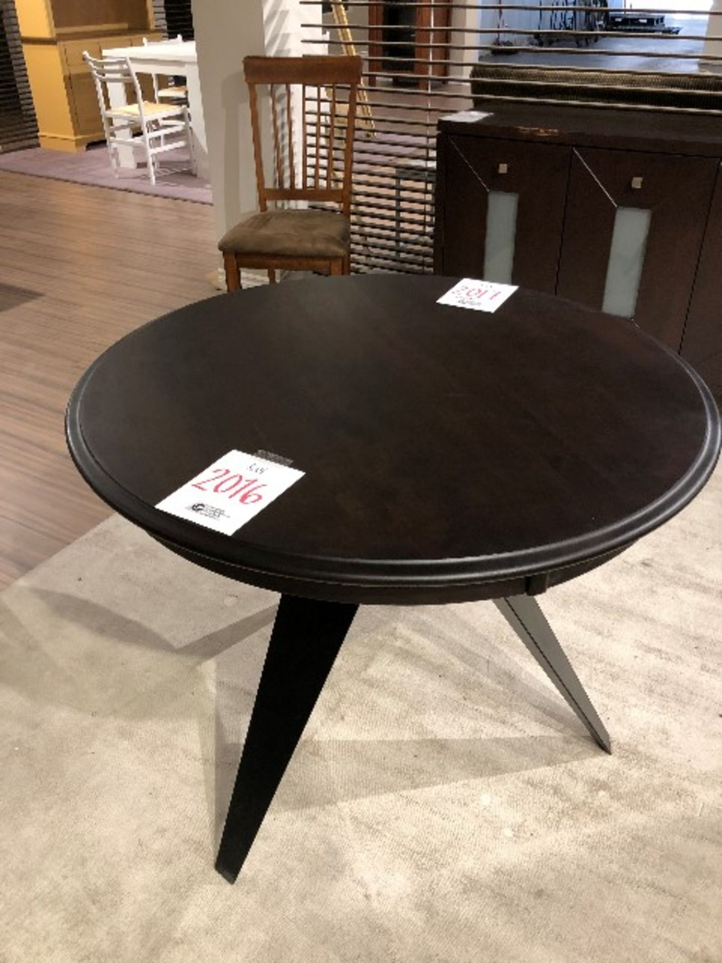 "Lot 2016 - Round table, diameter 36"""