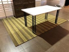 Area carpet, approx.10ftx8ft, showroom demo