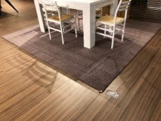 Area carpet, approx.9ftx9ft, showroom demo