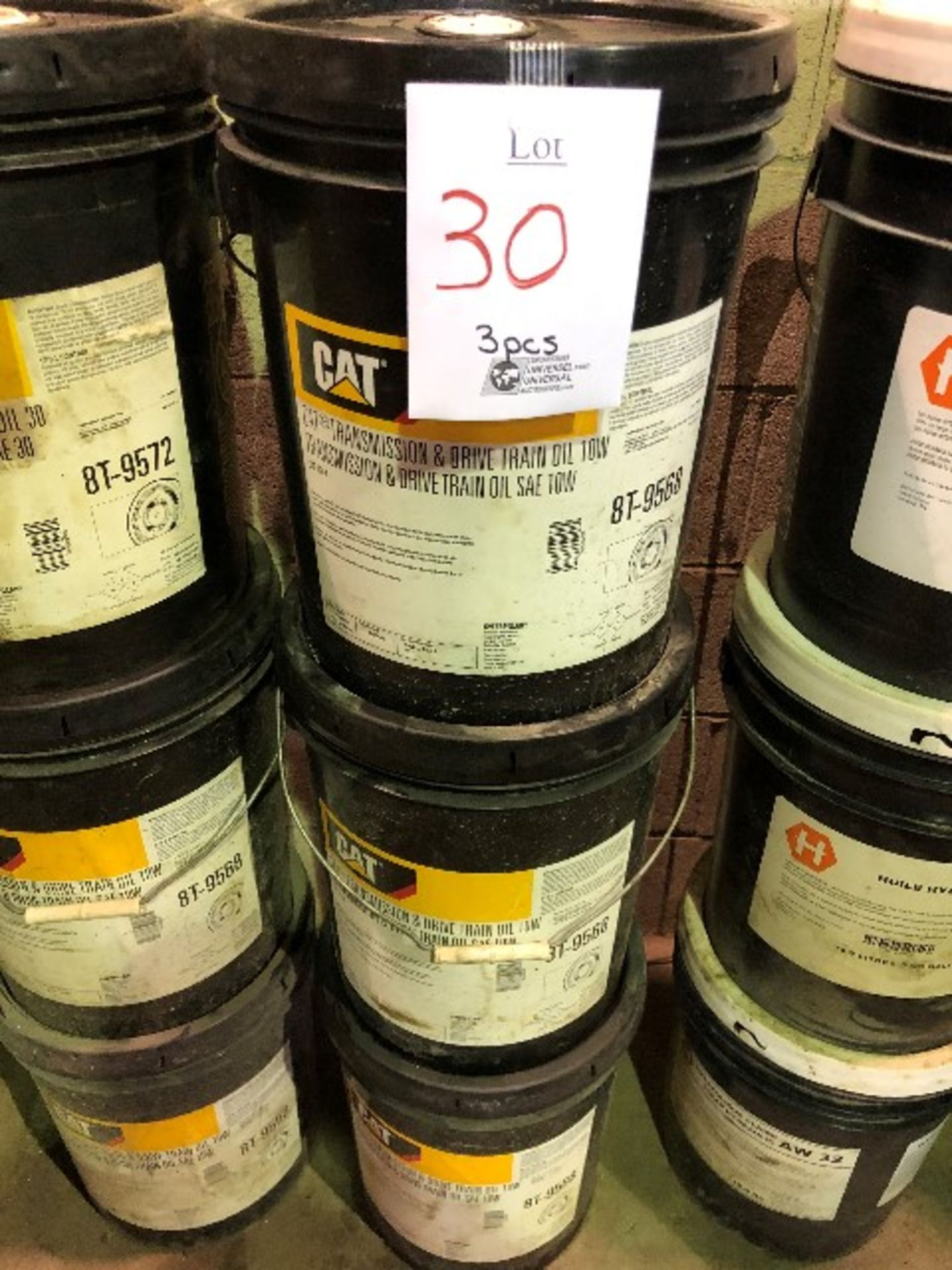 CAT Transmission & drive train oil, SAE 10W, 3 pails