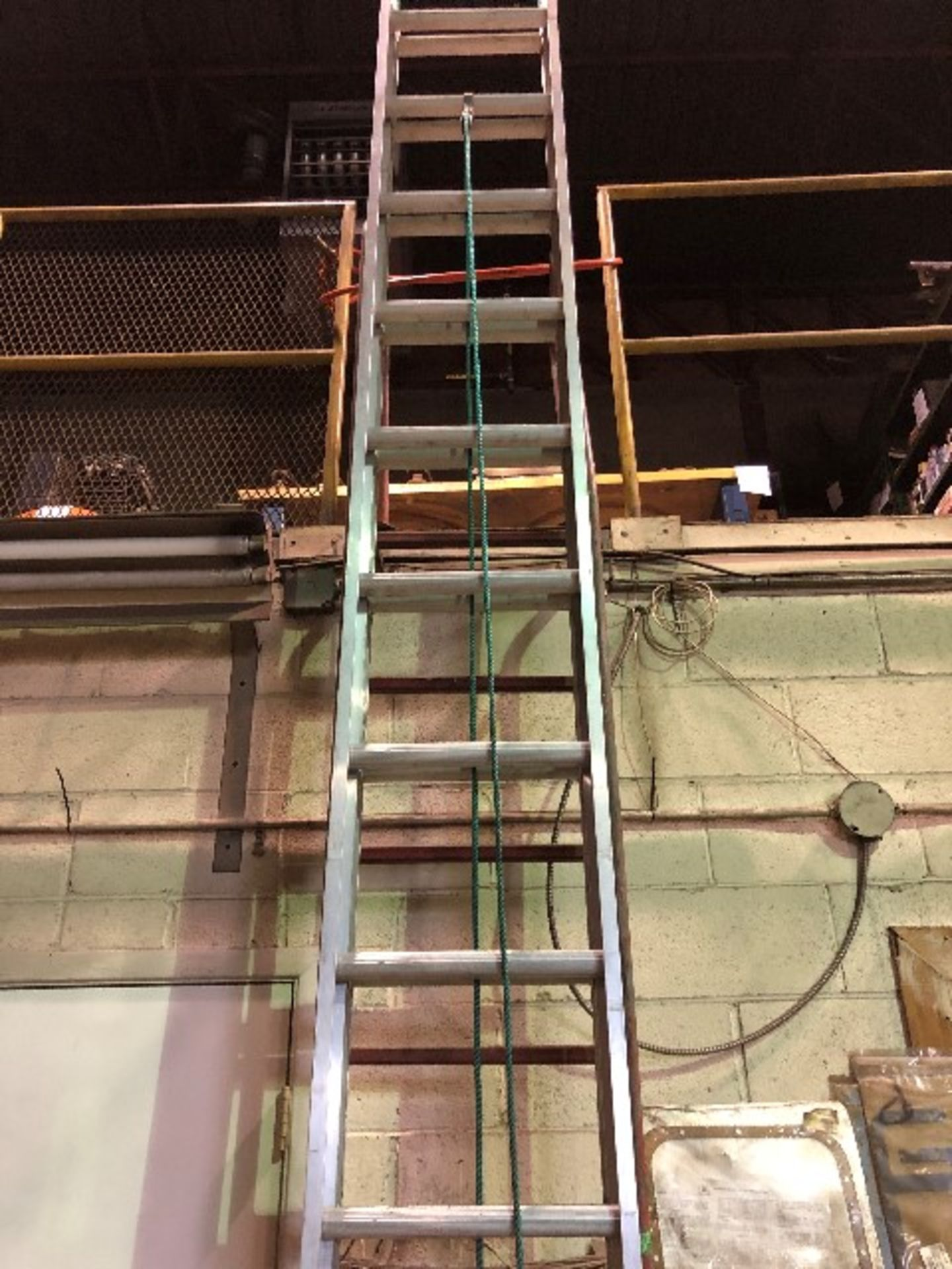 Extension ladder, 25ft - Image 3 of 3