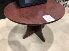 Round table, diameter 42""
