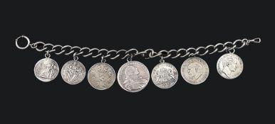 Uhrkette mit sieben Silbermünzen
