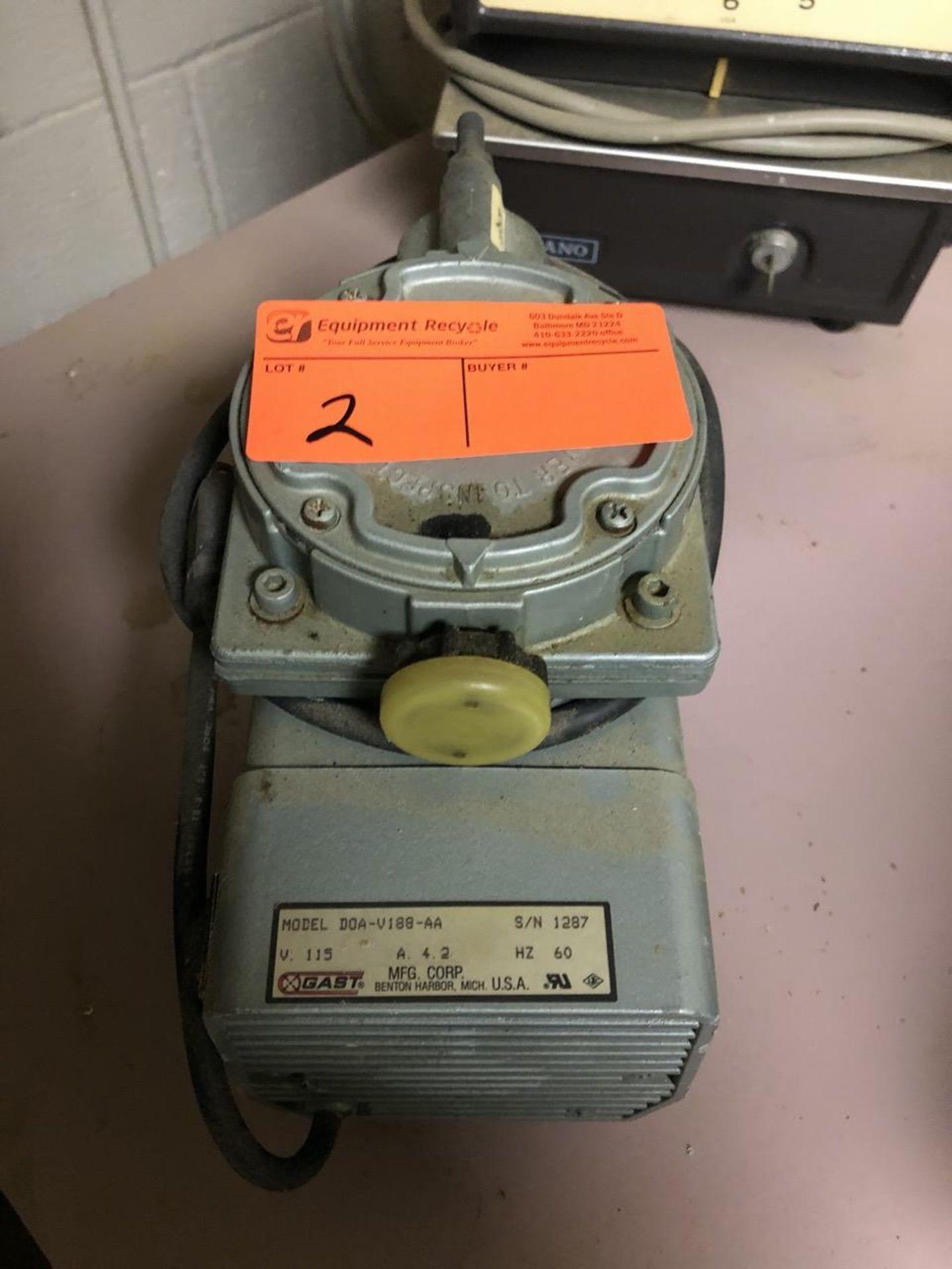 Lot 2 - Gast Vacuum Compressor Pump DOAV1 88-AA