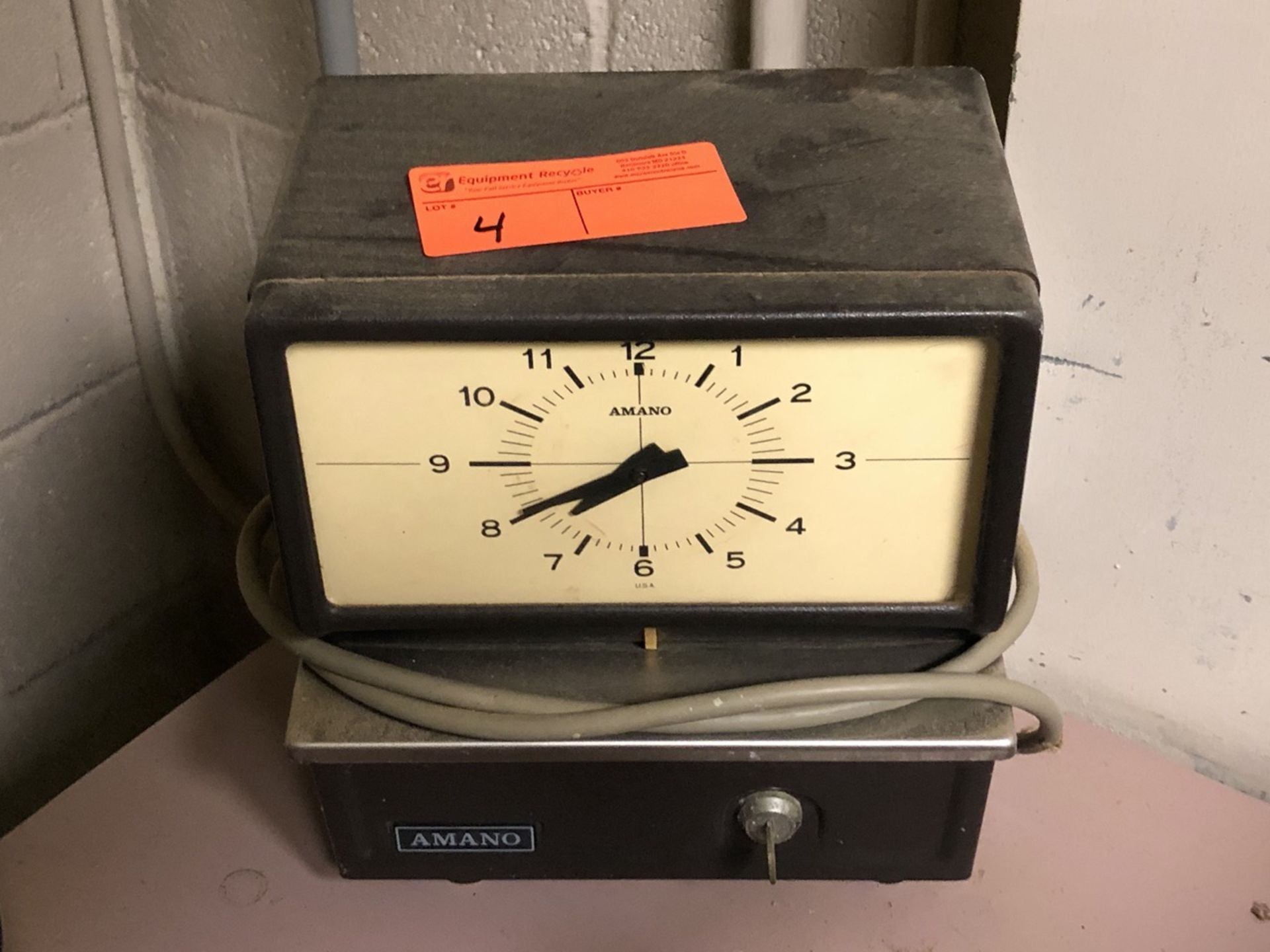 Lot 4 - Amana time Clock