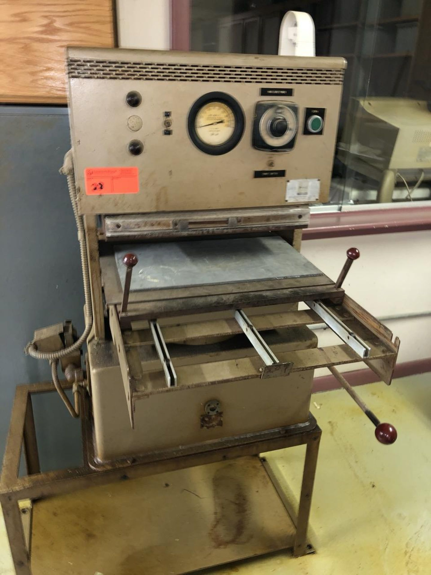 Lot 28 - PHI Heated Rod Bench Press 50 Ton