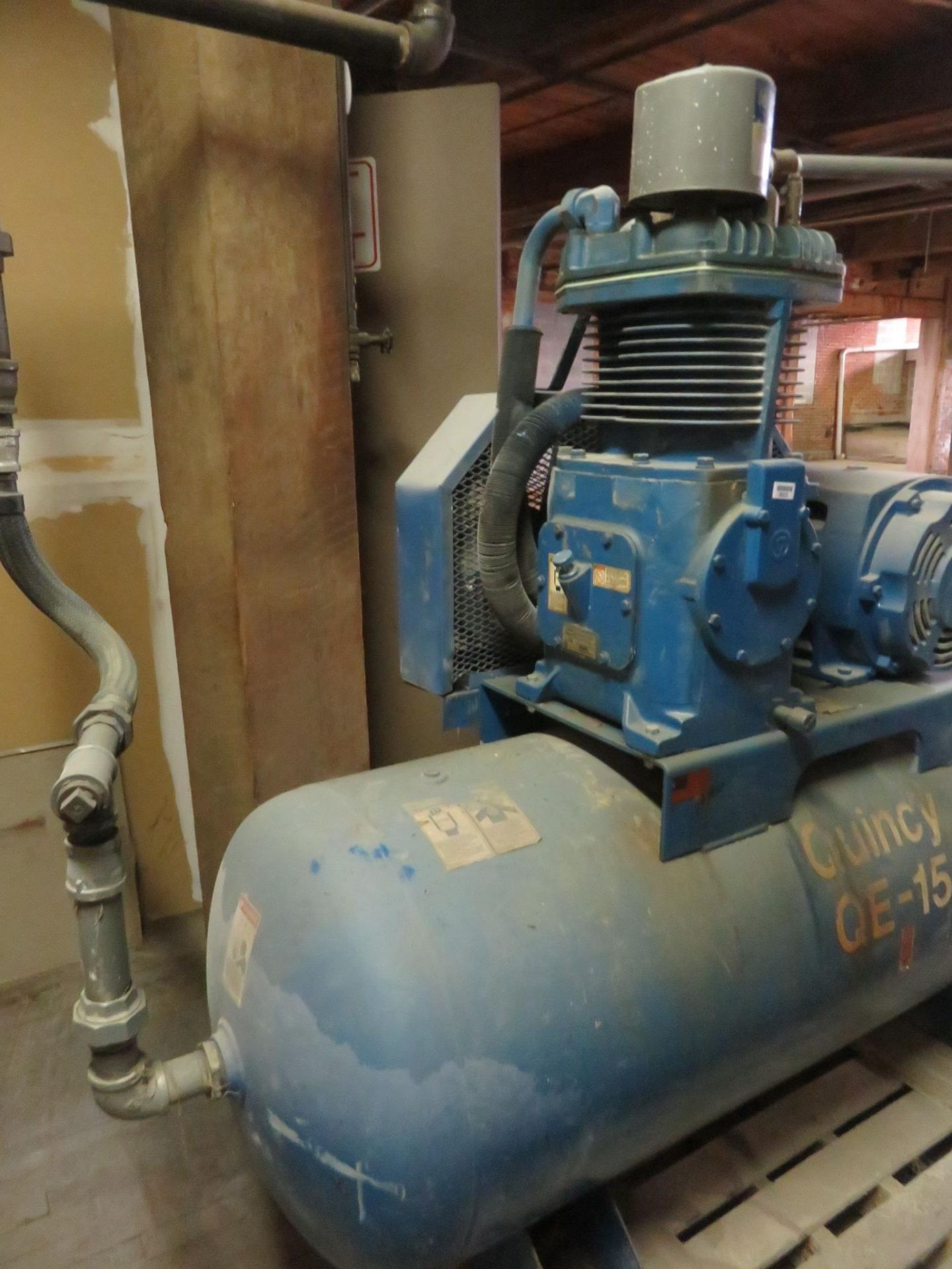 Quincy QE15 Air Compressor 15 HP Phase 3 230/460 Volt - Image 2 of 9
