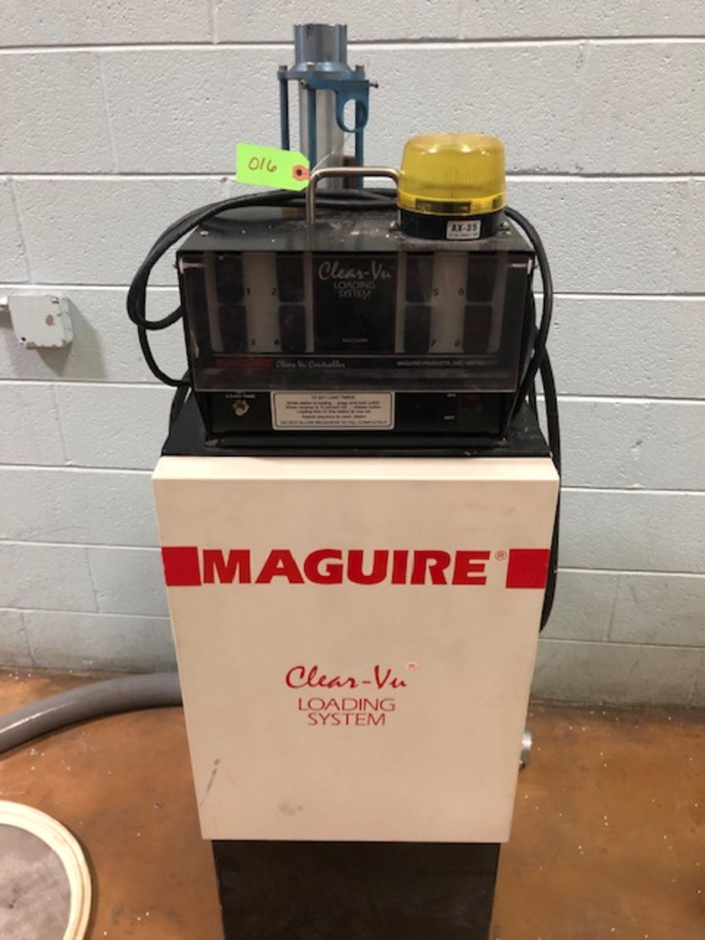 Lot 16 - Maguire MLS-180 Loading System