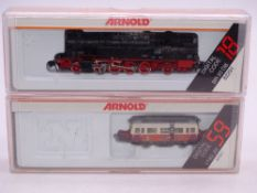 N Gauge: A pair of ARNOLD digital N Gauge German Outline locomotives comprising an 82921 VT89