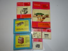 OO Gauge Model Railways: A group of TRI-ANG REAL ESTATE and MODEL-LAND Building Consturction