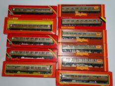 OO Gauge Model Railways: A group of HORNBY LNER Teak coaches - various types - G/VG in G boxes (11)