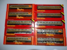 OO Gauge Model Railways: A group of HORNBY LNER Gresley Teak coaches - G/VG in G boxes (10)
