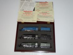 OO Gauge Model Railways: A HORNBY limited edition 'Sir Ralph Wedgwood' set comprising all three