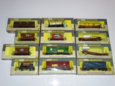 OO Gauge Model Railways: A mixed group of WRENN wagons as lotted - VG in G/VG boxes (12)