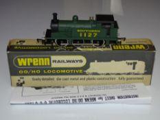 OO Gauge Model Railways: A WRENN W2207 R1 class steam tank locomotive in SR green, numbered 1127. VG