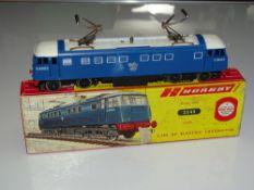 OO Gauge Model Railways: A HORNBY DUBLO 2245 Class AL1 Electric Locomotive, missing bogieframes,