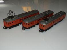 OO Gauge Model Railways: An exceptionally rare TRI-ANG R450/R451/R452 Australian NSWGR 3-car