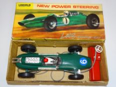 A LINCOLN INTERNATIONAL battery operated remote control LOTUS INDIANAPOLIS racing car - VG in G box