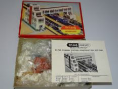 OO Gauge Model Railways: A TRI-ANG R589 Ultra Modern Station Construction set - contents unchecked