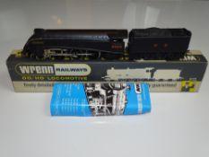 OO Gauge Model Railways: A WRENN W2213 Class A4 steam locomotive in LNER black livery '