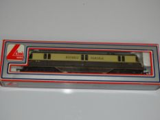 OO Gauge Model Railways: A LIMA GWR Express Parcels Diesel Railcar in GWR brown/cream livery