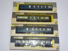OO Gauge Model Railways: WRENN Model Railways A group of Pullman coaches in BR blue/grey livery - VG