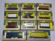 OO Gauge Model Railways: A mixed group of WRENN wagons as lotted - VG in G/VG boxes (11)