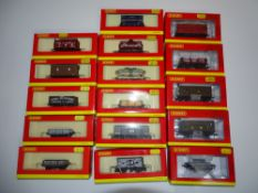 OO Gauge Model Railways: A group of various HORNBY wagons as lotted - VG in G/VG boxes (16)