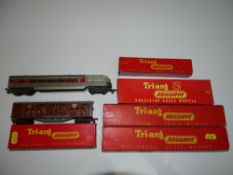 OO Gauge Model Railways: A group of TRI-ANG Transcontinental rolling stock as lotted -F/G in F/G