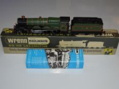 OO Gauge Model Railways: A WRENN W2222 Castle Class steam locomotive in GWR green re-numbered /