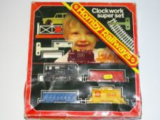 OO Gauge Model Railways: A HORNBY Clockwork train set - G in P/F box