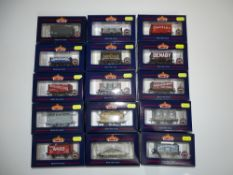 OO Gauge Model Railways: A group of various BACHMANN wagons as lotted - VG in G/VG boxes (15)