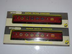 OO Gauge Model Railways: WRENN Model Railways A pair of Pullman coaches in LMS maroon livery - VG in